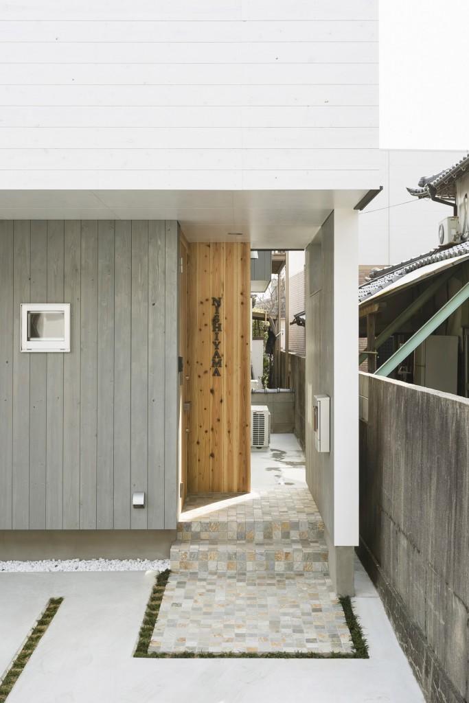facade_03-min